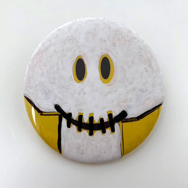Smiley Skull Button